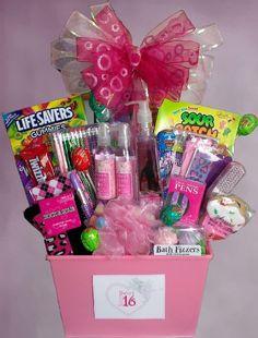 Homemade gift baskets homemade birthday gifts for boyfriend videos Mom Birthday Gift, Homemade Birthday Gifts, Birthday Gift Baskets, Birthday Gifts For Teens, Homemade Gifts, Teen Birthday, Birthday Presents, 17th Birthday, Girlfriend Birthday