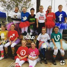 20 Halloween Costumes For Work Teams 2 halloween Halloween Party Kostüm, Cute Group Halloween Costumes, Cute Costumes, Halloween Costumes For Girls, Costume Ideas, Easy Halloween, Fun Group Costumes, Snapchat Halloween Costume, Woman Costumes