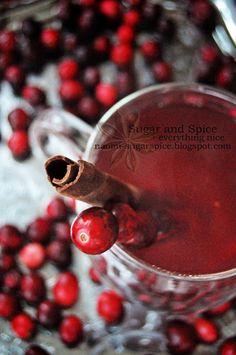Mulled Cranberry Apple Cider [Recipe] #cranberry #christmas #cider