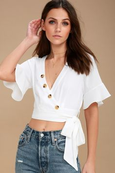 Love the Look! White Wrap Crop Top - Perfect for Summer Stylish Tops, Trendy Tops, Cute Tops, Casual Tops, Casual Skirt Outfits, Ladies Dress Design, Blouse Designs, Fashion Outfits, Fashion Sale