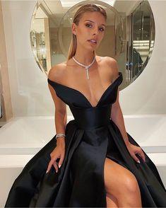Sparkling Sequin Prom Dresses 2020 Sexy V Back Design. Velvet Bridesmaid Dresses, Satin Dresses, Ball Dresses, Sequin Dress, Strapless Dress Formal, Formal Dresses, Dress Long, Wedding Dresses, Natasha Oakley