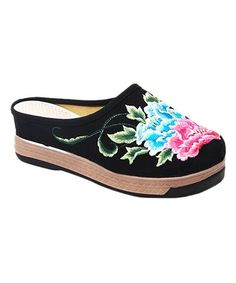 Black Floral Embroidered Platform Mule - Women #zulily #zulilyfinds
