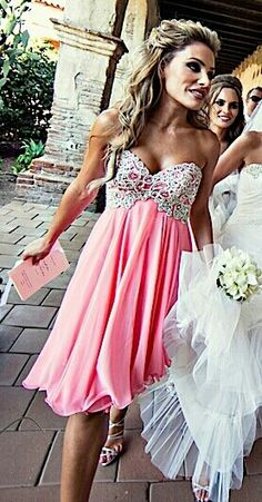 So freaking gorgeous! Perfect for bridesmaid dresses