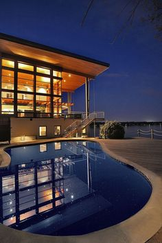 Contemporary home overlooking Chesapeake Bay