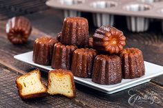 Canelés (Cannelés) de Bordeaux are delicious French pastries that have a crispy caramelized crust and a soft custard interior. Not everybody is familiar with. Desserts Français, French Desserts, Dessert Recipes, French Food, Sweet Desserts, Baking Recipes, Canele De Bordeaux, Flan Cake, French Pastries