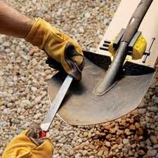 Garden Tool Maintenance – Taking Care of all your Gardening Tools Year Round.