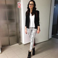 "Black and white love - Lacramioara MT (@lily.lmt) on Instagram: ""#blackandwhite #printedpants  #casualchic #ootd"