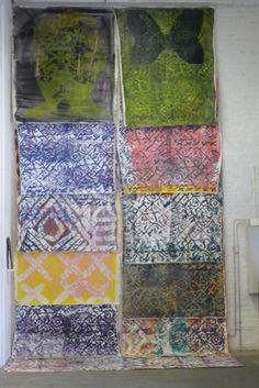 Noora Nio-Juss: Kangastus, 2015-16, maalausinstallaatio, akryyli, öljy, öljypastelli, silkkipaino ja piirros kankaalle - Kuvan Kevät 2016