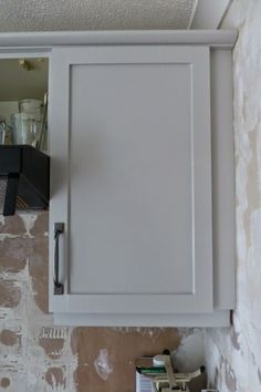 Paint and Style: Painting kitchen cupboards...even melamine!