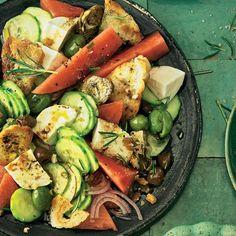 Brotsalat mit Melone und Mozzarella | BRIGITTE.de Mozzarella, Cobb Salad, Food, Artichokes, Tomatoes, Cooking, Eten, Meals, Diet