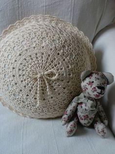 Diy Pillows, Decorative Pillows, Throw Pillows, Crochet Pillow, Love Crochet, Pin Cushions, Cushion Covers, Doilies, Lana