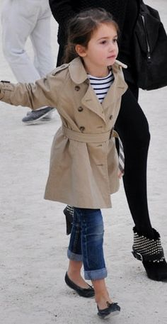 emmanuelle alt avec sa fille - never too young to start! Fashion Kids, Little Girl Fashion, Paris Fashion, Paris Mode, Paris Paris, Emmanuelle Alt, French Chic, French Style, French Lady