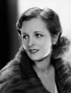 And I totally missed Mary Astor's birthday May 1906 - 25 September How could I forget? She's one of my favorites. Old Hollywood Movies, Old Hollywood Glamour, Golden Age Of Hollywood, Classic Hollywood, Hollywood Stars, Hollywood Actresses, Star Wars Baby, Long Beach, Film Hush