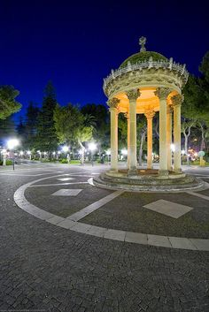 We got engaged right here! Lecce Italy, Puglia Italy, Italian Beauty, Italian Life, Rome Streets, Baroque Architecture, Italy Tours, Public Garden, Luxury Holidays