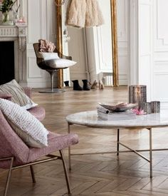 HM home round marble coffee table My Living Room, Home And Living, Living Room Decor, Interior Design Inspiration, Home Decor Inspiration, Design Ideas, H&m Home, Home Interior, House Styles