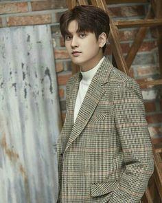 Chanwoo is growing up but he's such a baby still Kim Jinhwan, Chanwoo Ikon, Pop Bands, Hip Hop, Yg Entertainment, Ikon Instagram, K Pop, Bobby, Ikon Member