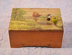Vintage Antique Child's Wood Music Box, Early Jack And Jill Jack And Jill, Dogs And Kids, Music For Kids, Vintage Antiques, Decorative Boxes, Storage, Children, Wood, Madeira