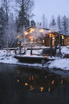 A weekend in Finland's Lakeland : Earlier this month, George and I rented a cabin in the Finnish Lakeland with a few of our friends for a long weekend. When I first began planning a trip to Finland I really wanted to visit Lapland,… Winter Cabin, Cozy Cabin, Snow Cabin, Winter House, Cabin Homes, Log Homes, Ideas De Cabina, Beautiful Homes, Beautiful Places