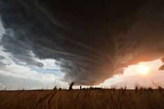 'The Big Cloud: The Lovely Monster' Photo Series is Breathtaking #stunningphotography #landscapephotography
