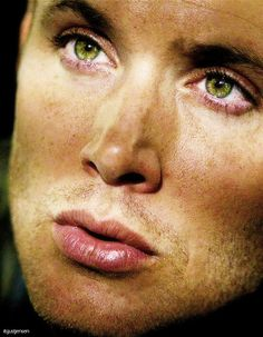 Jensen Ackles, this man is just to d*** delicious! look at those kissable lips!!! :D haha