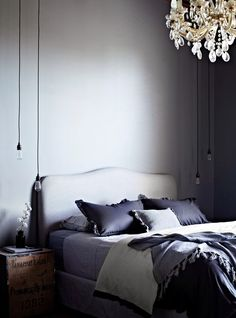 greige: interior design ideas and inspiration for the transitional home : Dark grey walls Decoration Gris, Decoration Inspiration, Interior Inspiration, Gray Bedroom, Home Bedroom, Master Bedroom, Feminine Bedroom, Calm Bedroom, Bedroom Ideas
