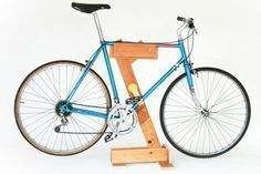 DIY repair stand for all you biker's in apartments #bikerepairstand #bicyclerepair #bikerepairdiy