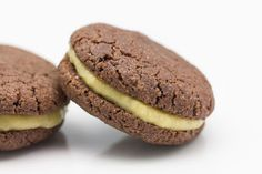 Hovkonditorn: Chocolate Biscuit with Banana Curd
