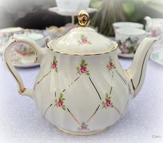 sadler..........I have this dear teeny weeny   pot and it is years old and still makes a great cup of tea.....
