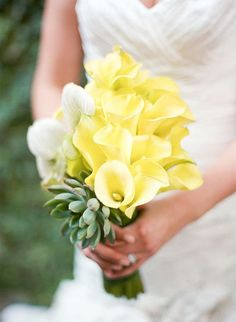 Bright yellow calla lilies! Love it! So simple and sweet created by Statue of Design and captured by Reg Campbell.