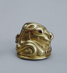 Buttons Shaped like a Beast of Prey (Tiger)  Gold; cast. Diam. 3 cm  Sakae Culture. 5th-4th century bc	 Siberian collection of Peter I,Siberia  Source of Entry: Kunstkammer, St Petersburg. 1859-1860 The State Hermitage Museum.