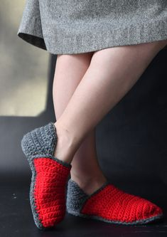 Tekstiiliteollisuus - teetee Saga Slippers, Socks, Crafty, Crochet, Villas, Diy, Fashion, Amigurumi, Do It Yourself