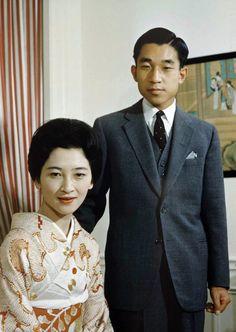 天皇皇后両陛下 as 皇太子継宮明仁親王(つぐのみやあきひとしんのう)殿下同妃美智子(みちこ)殿下時代 Emperor Akihito and Empress Michiko.
