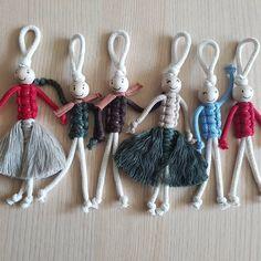 macrame plant hanger+macrame+macrame wall hanging+macrame patterns+macrame projects+macrame diy+macrame knots+macrame plant hanger diy+TWOME I Macrame & Natural Dyer Maker & Educator+MangoAndMore macrame studio Yarn Crafts, Diy And Crafts, Crafts For Kids, Arts And Crafts, Macrame Knots, Macrame Jewelry, Jewelry Knots, Macrame Cord, Yoga Dekor