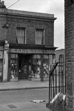127 London History, Brick Lane, London Photos, Old London, The Good Old Days, Shops, Corner, Lost, Retro