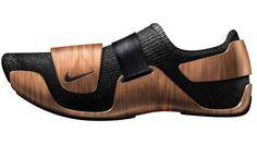 最も長年愛されるデザインの1つ、イームズチェア。  この前衛的なデザインの靴は、予想通りと言いますかコンセプトデザインです。フランスのデザイナーOra-Ïtogaが作り出したこのスニーカー、これはチャールズ&レイ・イームズへのトリビュート作品。特にラウンジチェアへのオマージュとなっています。