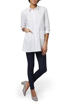 Free shipping and returns on Topshop 'Jet' Poplin Tunic Shirt at Nordstrom.com. The proverbial white shirt is scaled to oversized proportions in crisp stretch poplin with front pockets sewn into the paneled design.
