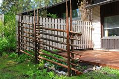 Check out our Beautiful Gallery of Wood Fence Ideas and Designs including Privacy, Security, Decorative Fences & More. Dream Garden, Home And Garden, Wattle Fence, Wood Fence Design, Terrace Garden, Garden Inspiration, Wood Furniture, Furniture Design, Gate