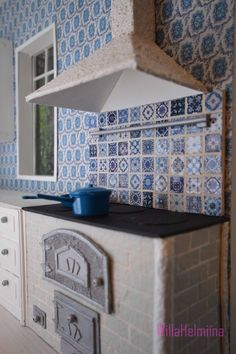 How to make coocer hood and kitchen tiles