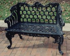 Gothic Settee, Kramer Brothers Foundry Company, circa 1880-1900. Garden Furnishings Collection, Smithsonian Gardens.