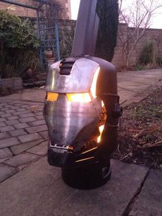 Ironman \ War Machine Wood Burner: 8 Steps (with Pictures) Cool Fire Pits, Diy Fire Pit, Metal Projects, Welding Projects, Chimenea A Gas Natural, Gas Bottle Wood Burner, Wood Pellet Stoves, Multi Fuel Stove, Bois Diy