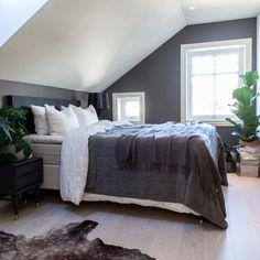 Angled Bedroom, Bedroom Loft, Blue Bedroom, Modern Bedroom, Master Bedroom, Bedroom Decor, Attic Bedroom Designs, Bedroom Styles, New Room