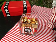 A pirate party has to have gold coins!! Kids Pirate Party ⚓ Dessert table