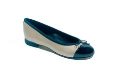 The Jennifer is a classic style PU ballet flat with a 1.5cm heel, in beige patent with a black toe cap.