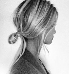 filaments の coupe coiffure cheveux blond chignon bun haircut style haar frisur Good Hair Day, Great Hair, Messy Hairstyles, Pretty Hairstyles, Bun Hairstyle, Prom Hairstyles, Celebrity Hairstyles, Fashion Hairstyles, Blonde Hairstyles
