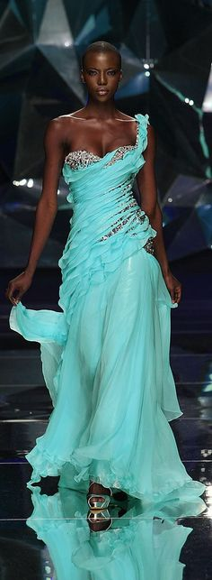 princess-femme: calystarose: embroideredragons: Abed Mahfouz - Couture Spring-Summer 2009 oh…she looks like Aphrodite risen from the waves. Abed Mahfouz, Beautiful Gowns, Beautiful Outfits, Gorgeous Dress, Beautiful Models, Turquoise Dress, Aqua Blue, Couture Fashion, Glamour