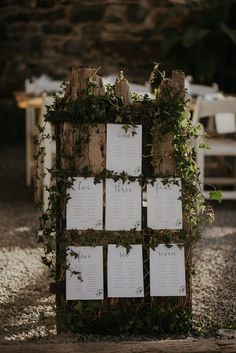 Foliage escort card sign  Photo: @virginia.photo