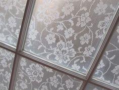 DIY Lace Window Pane Treatment using Cornstarch & Water! Diy Lace Privacy Window, Lace Window, Diy Casa, Kitchen Window Treatments, Old Windows, Window Coverings, Window Panes, Window Ledge, Window Screens
