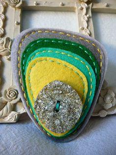 felt art broches | handmade felt brooch 70 s pop art inspired handmade felt brooch ...