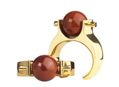"""Les bracelets """"Abby"""" de Chloé http://www.vogue.fr/joaillerie/le-bijou-du-jour/diaporama/les-bracelets-abby-de-chloe-printemps-ete-2013-clare-waight-keller-jaspe-rouge/11683"""