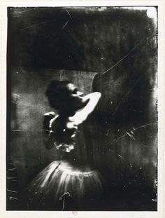 Fanny Newcomb although I'm not sure.is this a photo by Edgar Degas? Edgar Degas ~ Dancer adjusting her shoulder strap, ca. Edgar Degas, Vintage Photography, Art Photography, Motion Photography, French Artists, Black And White Photography, Art History, Sculptures, Images
